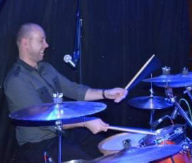 On drums: Ian Smith